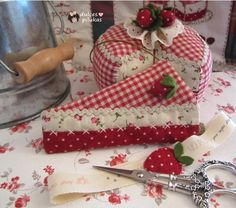 dulces pilukas: Guarda Tijeras Pastel de Fresas