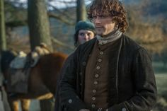 "Outlander ""The Reckoning"" (1x09) promotional picture wallpaper with a surcoat, sobretudo in The Claire & Jamie Fraser Club"