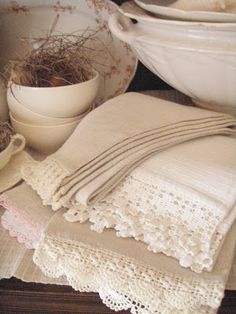 Beautiful white vintage linens - love antique linens - the crochet trim, the embroidery, the french knotting. Decoration Shabby, Decoration Table, French Country House, French Country Decorating, Country Charm, Country Life, Jeanne D'arc Living, Vibeke Design, Shabby Chic