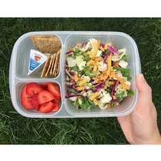 Chopped Chipotle & Cheddar salad kit for the win! // On the sides I have Artisan Nut-Thins multi seed crackers + Laughing Cow creamy swiss cheese + Strawberries #easylunchboxes