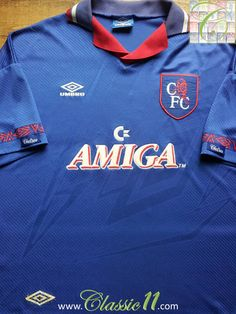 Relive Chelsea's 1993/1994 season with this vintage Umbro home football shirt.