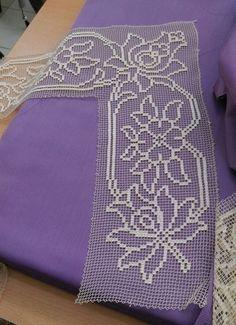 91 TANE TIĞ İŞİ KENAR ÖRGÜLERİ VE DANTELLERİ | Nazarca.com Filet Crochet, Crochet Doilies, Crochet Lace, Baby Knitting Patterns, Button Hole Stitch, Basic Embroidery Stitches, Bargello, Buttonholes, Home Textile