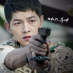 Song Joong Ki, Descendants of the Sun Song Joong, Song Hye Kyo, Asian Actors, Korean Actors, Korean Dramas, Descendants, Soon Joong Ki, Decendants Of The Sun, Sun Song