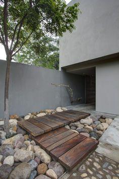 #rocks #stenen #keien #landscape #architectuur #entrance #entree #plataformaarquitectura www.leemconcepts.nl
