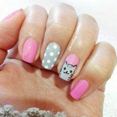 #nails cat