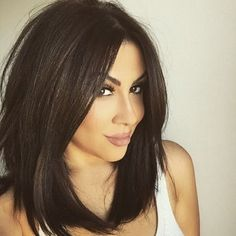 Have an amazing fresh look, no matter what your face shape or age is. CHOOSE FROM: 50+ Gorgeous Shoulder Length Haircuts #shoulderlength #hairstyles #hairstylesforgirls #haircut