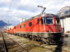 """Schweizerische Bundesbahnen (SBB) / Chemins de Fer Fédéraux suisses (CFF) / Ferrovie Federali Svizzere (FFS), Re 6/6 11653 """"Gümligen"""", Flüelen (UR)"""