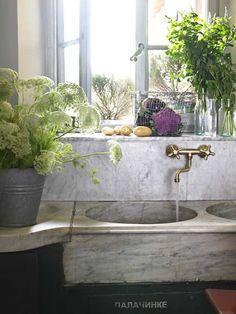beautiful marble sink, brass faucet. love