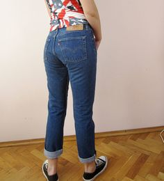 316fa988 classic Levis 501 denim pants from the 90s medium blue wash size 29 x 30  button
