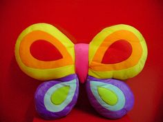 Butterflies Stomach, Baby Shower Gifts, Baby Gifts, Butterfly Pillow, Appliques, Sewing Ideas, Shower Ideas, Craft Ideas, Diy Crafts