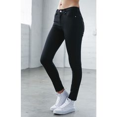 Bullhead Denim Co. Night Cap Black High Rise Skinny Jeans ($50) ❤ liked on Polyvore featuring jeans, pantalones, pants, high waisted jeans, high rise jeans, short jeans, zipper skinny jeans and slim fit jeans