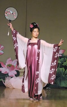 A Falun Gong practitioner performs a traditional Chinese dance from the Tang Dynasty.  CHINA