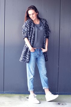 Me, my boyfriend and IMe, my boyfriend and I - Happiness is an outfit leopard print boyfriend jeans loose fit denim white sneakers nelly.com sneaker wedges grey sweater french connection brunette outfit inspiration fashion blogger streetstyle dutch model off duty coat autumn trends sporty