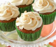 Carrot Cupcakes with White Chocolate Cream Cheese Frosting Carrot Cake Cupcakes, Cupcake Cakes, Cup Cakes, Carrot Cakes, Chocolate Cupcakes, Cupcake Recipes, Carrot Muffins, Heart Cupcakes, Cake Icing