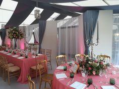 #Bankettstuhl_gold #Heiraten_im_Zelt Table Decorations, Gold, Furniture, Home Decor, Tent Wedding, Outdoor Camping, Wedding, Decoration Home, Room Decor
