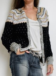 Hedvig - FiftyFabulous Sweater Cardigan, Men Sweater, Polka Dot Top, Free Pattern, Knit Crochet, Kimono Top, Bell Sleeve Top, Knitting, Sweaters