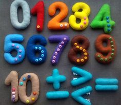 Colorful Felt numbers 0-10 with buttons in bag magnetic