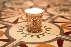 les #bougiesprecieusesrechargeables en #or véritable @roseetmarius inspirées des carreaux de ciment des anciennes bastides de Provence