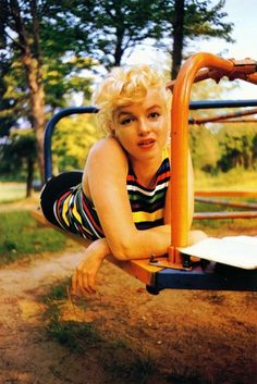 ※ Marilyn In the Most Natural Setting, Looking Ever So Beautiful @ the Playground Merry-Go-Round !!