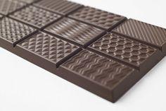 Rappelez-vous, il y a tout juste un an nous vous présentions Chocolatexture, 9 créations chocolatées réalisées par le studio japonais Nendo pour la marque