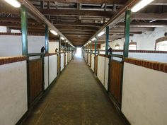 Stable interior at aisle