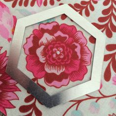 Flossie Teacakes: How to fussy-cut fabric for English paper piecing (EPP)