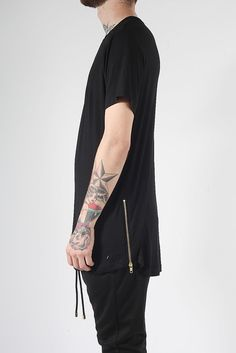 OVERSIZED BLACK ZIP T-SHIRT. im actually kinda trying to get a shirt like this