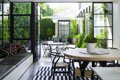 21 Beautiful Indoor/Outdoor Spaces - Home Decor Ideas Steel Windows, Steel Doors, Windows And Doors, Iron Windows, House Windows, Indoor Outdoor Living, Outdoor Rooms, Outdoor Decor, Outdoor Dining