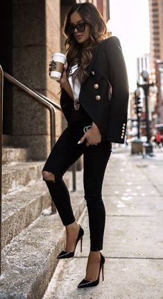Cute casual fall outfits women, leather jacket, black leather jacket – Business professional outfits for interview Casual Autumn Outfits Women, Winter Fashion Outfits, Look Fashion, Autumn Fashion, Womens Fashion, Classy Edgy Fashion, Classic Fashion Style, Classic Outfits For Women, Blazer Outfits For Women