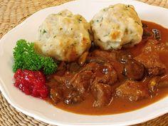 recepty.netCabinet:Hubárova odmena alebo divina, hovädzie, bravčové mäso s hubami alebo na hubách. Venison,beef,pork meat to mushrooms. Zvěřina,hovězí,vepřové maso na houbách nebo s houbami.