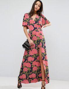 d73cdd6d6b A(z) ruhák nevű tábla 18 legjobb képe | Formal dresses, Low cut ...