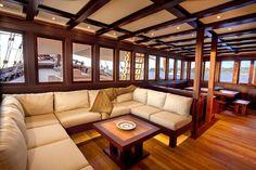 Dunia Baru Phinisi yacht salon #yacht #interior #luxury #charter #indonesia #bali #jakarta #komodo #islands #sailing #boats