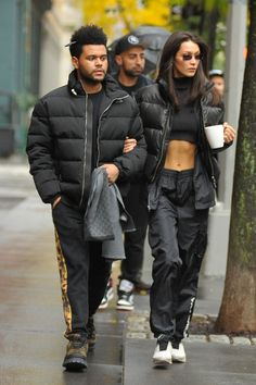 November 05 - Out in New York Couple Style, Abel And Bella, Star Fashion, Fashion Outfits, Star Clothing, Nyc Girl, Bella Hadid Style, Expensive Clothes, Fashion Couple
