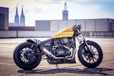 Custom Yamaha XV 950 R drag bike by Marcus Walz Motos Bobber, Bobber Bikes, Ducati Scrambler, Yamaha Motorcycles, Yamaha Bolt Custom, Bobber Custom, Custom Cafe Racer, Custom Bikes, Old School Motorcycles