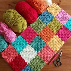These colours are making me so happy in my work today! Stylecraft Special DK is just the best tool for us. Crochet Quilt Pattern, C2c Crochet, Crochet Squares, Crochet Home, Crochet Gifts, Baby Blanket Crochet, Crochet Stitches, Crochet Patterns, Crochet Blankets
