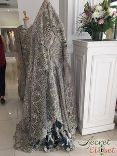 Apart from the usual Valentines festivities, this last Sunday also saw the exclusive one day bridal trunk show by Zara Shahjahan at her Karachi store that brought many a bride-to-be rushing not to …
