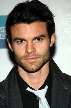 Daniel Gillies (Elijah) Vampire Diaries @ amy walderns