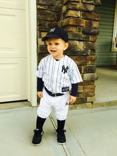 Cole David 2014 Halloween costume toddler baseball player Yankees Derek Jeter  sc 1 st  Pinterest & The Man with the Yellow Hat | Holidays | Pinterest | Construction ...
