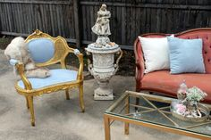 Rent My Dust Vintage Lounge Area's for Your Wedding! - Blog - RENT MY DUST Vintage Rentals. This is for the pink bride or Shabby Chic Bride featuring our blue Belle Chair and Pink Dorothy Settee. #vintagerentals #weddinglounges