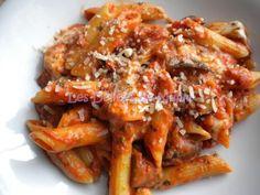 Jamie Oliver& Tomato, Eggplant and Mozzarella Pasta Healthy Noodle Recipes, Asian Noodle Recipes, Veggie Recipes, Asian Recipes, Vegetarian Recipes, Ethnic Recipes, Aubergine Mozzarella, Mozzarella Pasta, Tomate Mozzarella
