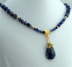 Wire Wrapped Sodalite Pendant Necklace - Beading Daily