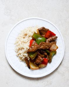 Chili Garlic Beef Stir Fry with Coconut Rice by @howsweeteats I howsweeteats.com
