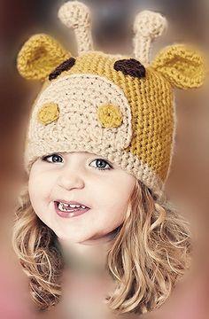 Gorro de jirafa en ganchillo. Crochet giraffe hat.