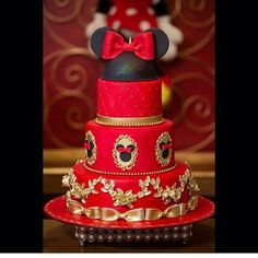 Red Tier Minnie Mouse Cake with Gold Fondant Accents Torta Minnie Mouse, Minnie Y Mickey Mouse, Bolo Minnie, Minnie Cake, Minnie Mouse Baby Shower, Minnie Mouse Birthday Decorations, Mickey Mouse Clubhouse Birthday, Mickey Mouse Birthday, Pastel Mickey