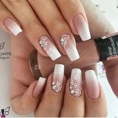 Ombre with Floral Decor - Natural Wedding Nails for Bride - nails art Natural Wedding Nails, Simple Wedding Nails, Wedding Manicure, Wedding Nails For Bride, Wedding Nails Design, Bride Nails, Nail Wedding, Weding Nails, Wedding Card