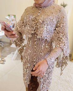 Embroidery Designs Fashion Modern Ideas For 2019 Kebaya Modern Hijab, Kebaya Hijab, Kebaya Brokat, Dress Brokat, Kebaya Muslim, Muslim Dress, Kebaya Lace, Batik Kebaya, Kebaya Dress