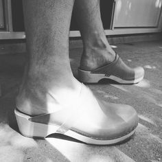 Clogs in sun rays Clog Sandals, Clogs Shoes, Swedish Style, Chelsea Boots, Abs, How To Wear, Sun Rays, Instagram, Rock