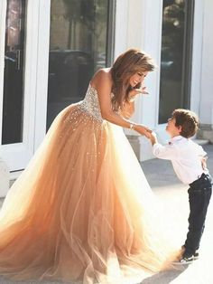 Chic A-line Ball Gowns Sweetheart Prom Dress Tulle Beading Evening Gowns AM317