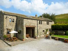Swallow Barn, Silsden, Yorkshire, England, Sleeps 10, Bedrooms 5, Self-Catering Holiday Cottage, Pet Friendly.