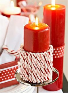 Christmas table decor DIY, Christmas decor table ideas, Holiday Christmas red candle #Christmas #table #decor #DIY www.loveitsomuch.com